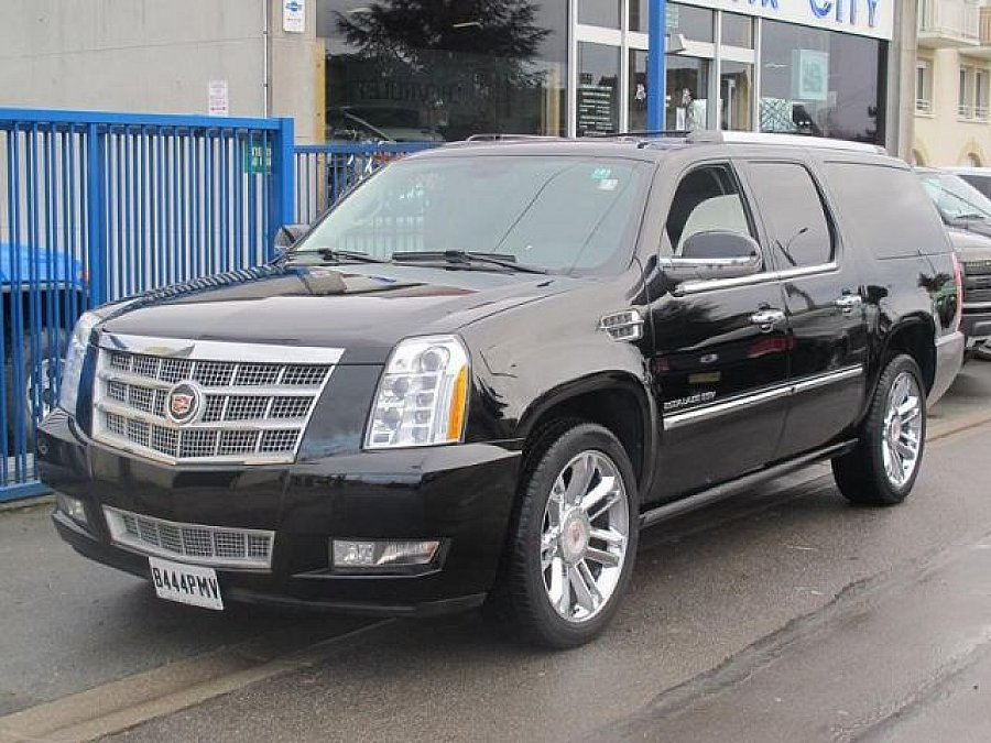 cadillac escalade iii 6 2 v8 409 ch 4x4 occasion 72 500 48 525 km vente de voiture d. Black Bedroom Furniture Sets. Home Design Ideas